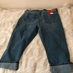 Levi's Capri jeans in a blue wash.